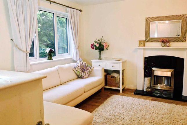Thumbnail Flat to rent in Deerhurst Close, Feltham