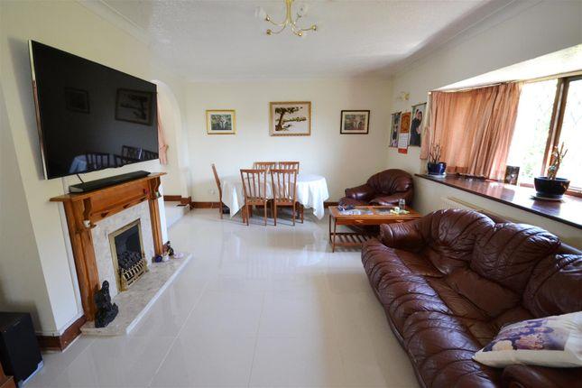 Lounge of Templebar Road, Pentlepoir, Saundersfoot SA68