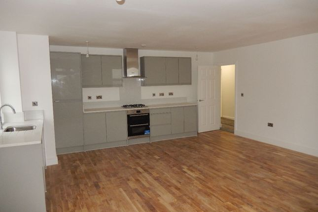 Thumbnail Flat to rent in Erith High Street, Erith