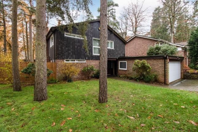 Thumbnail Detached house for sale in Redwood Glade, Leighton Buzzard, Beds, Bedfordshire