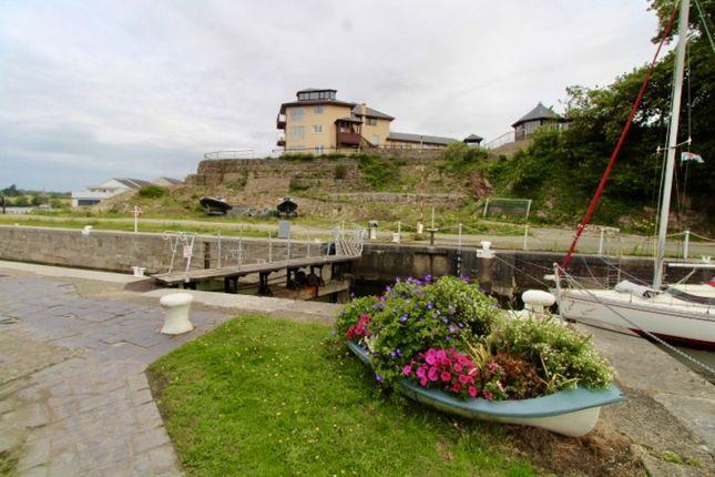 Thumbnail Land for sale in Ffordd Siabod, Y Felinheli