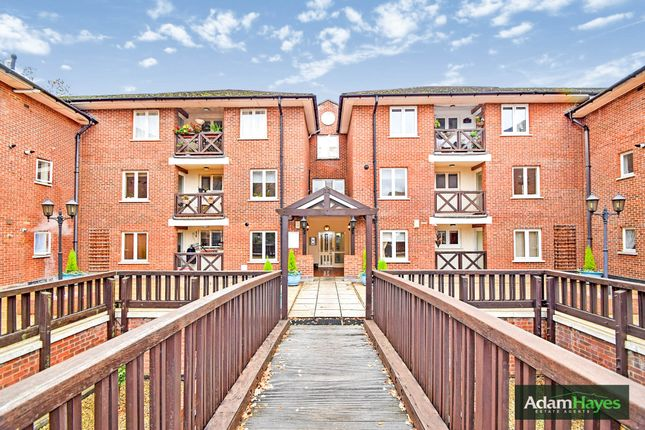 Thumbnail Flat to rent in Holden Road, Woodside Park
