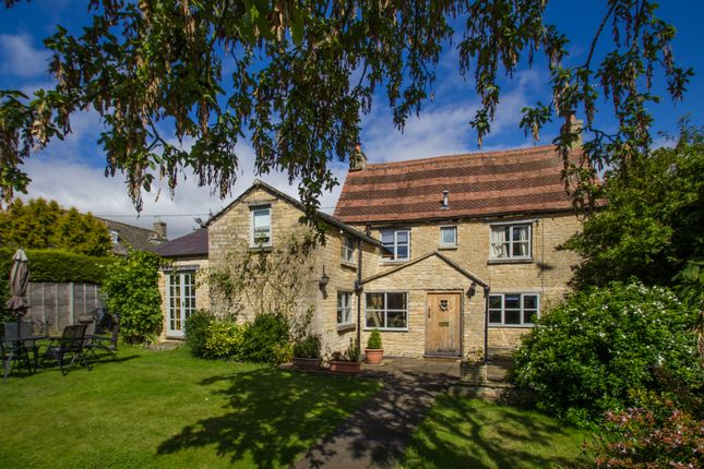 Thumbnail Cottage to rent in Station Road, Brize Norton, Carterton