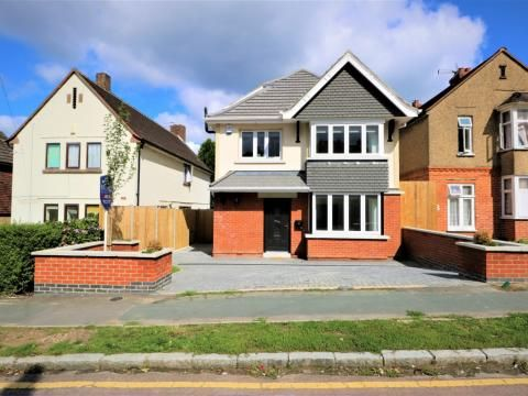 Thumbnail Detached house to rent in York Road, Camberley