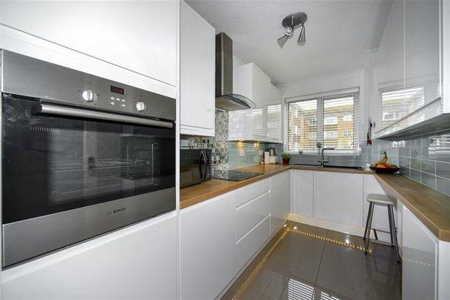 Thumbnail Flat to rent in Lustrells Vale, Saltdean, Brighton