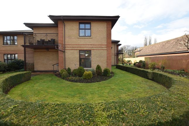 Thumbnail Flat for sale in 7 Ascot, Thamesfield Village, Henley-On-Thames, Oxfordshire
