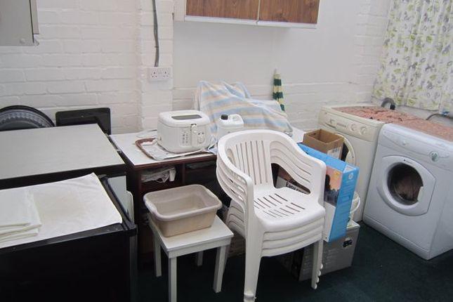 Utility Room of Carding Close, Mount Nod, Coventry CV5
