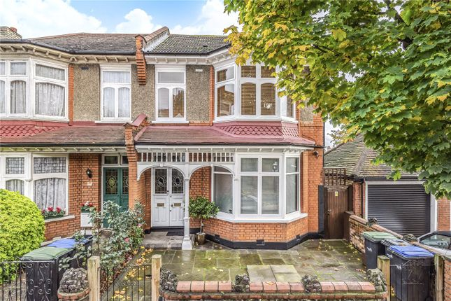 Thumbnail Flat for sale in Hurst Road, Winchmore Hill, London