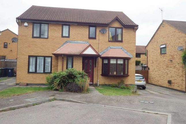 Thumbnail Semi-detached house to rent in Skeggles Close, Huntingdon