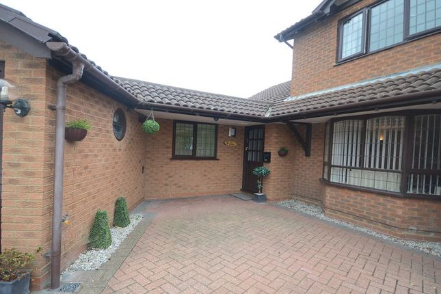Thumbnail Flat to rent in Kittiwake Close, Woodley, Reading