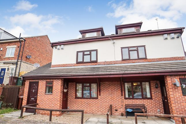 Thumbnail Flat for sale in Meadowfield Rise, Wakefield