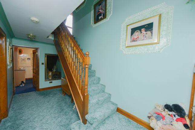 Hallway of Woodnook Lane, Old Brampton, Chesterfield S42