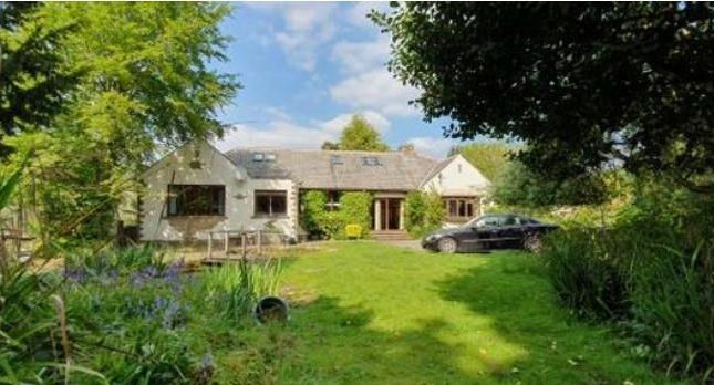 Thumbnail Bungalow to rent in Bradford Road, Bingley