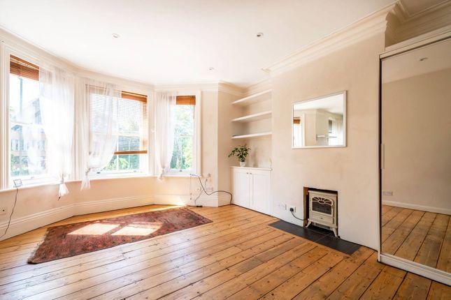 Studio for sale in York Road, Guildford GU1