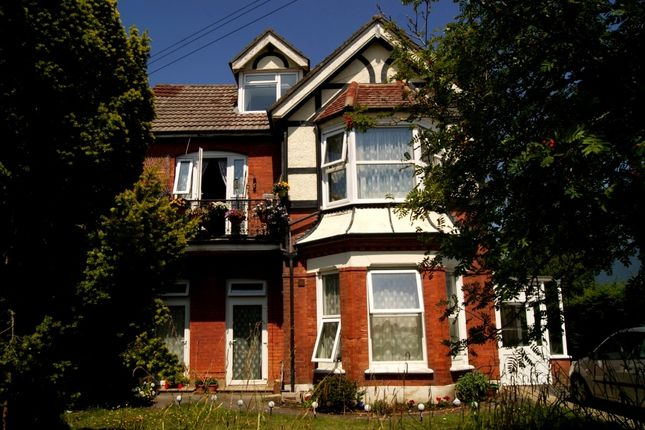 Thumbnail Flat to rent in Carysford Road, Bournemouth