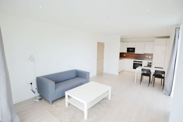 Thumbnail Flat to rent in Devan Grove, London