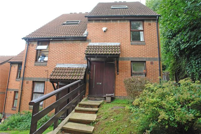 Thumbnail Maisonette to rent in Grovelands Close, Camberwell, London