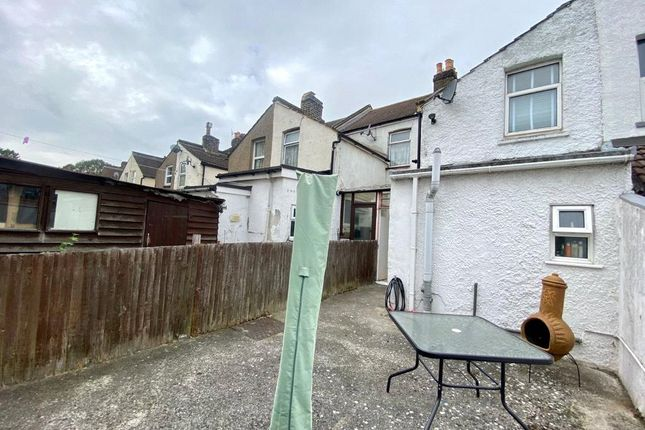 Picture No. 22 of Gordon Road, Northfleet, Kent DA11