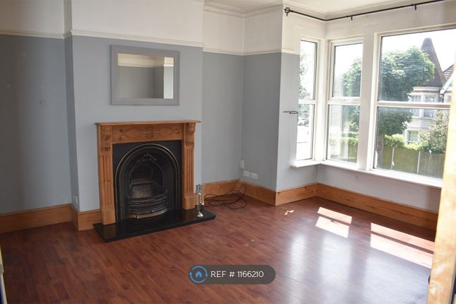 Thumbnail Flat to rent in Finchley Road, Westcliff-On-Sea