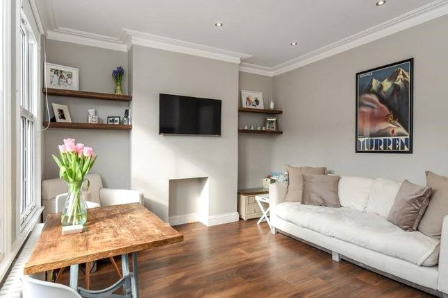 Thumbnail Flat to rent in Oxford Gardens, Chiswick, London