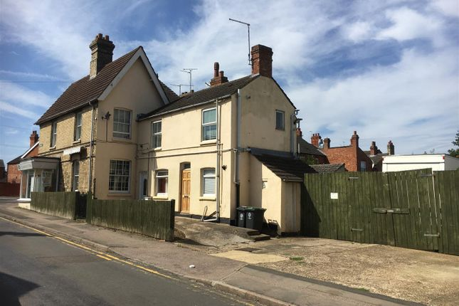 Thumbnail Property for sale in Wellingborough Road, Rushden