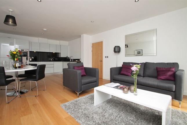 Flat to rent in Alie Street, London