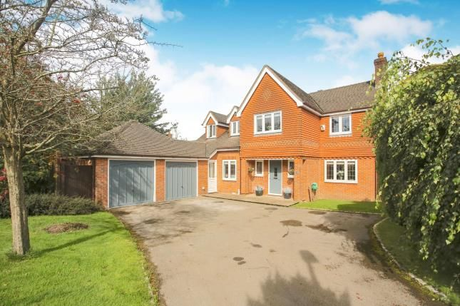 Thumbnail Detached house for sale in Weybridge Drive, Macclesfield, Cheshire