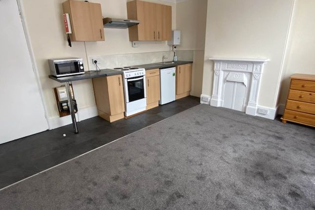 Thumbnail Room to rent in Herschell Road, Exeter