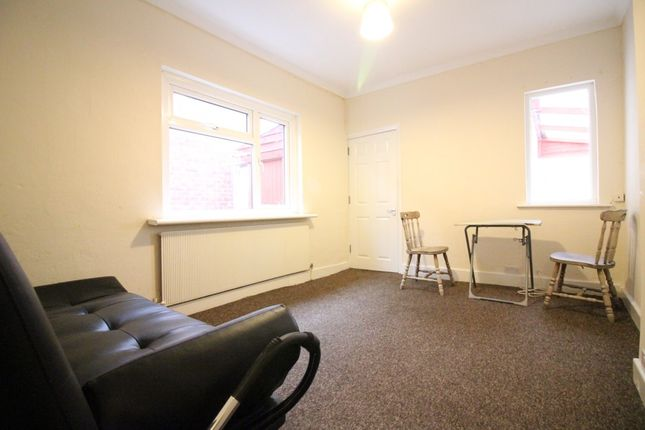 Thumbnail Detached bungalow to rent in Willow Crescent West, Uxbridge