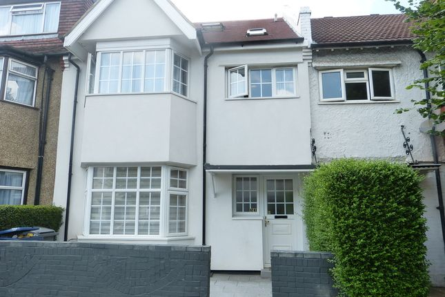 5 bed terraced house to rent in Golders Gardens, London NW11