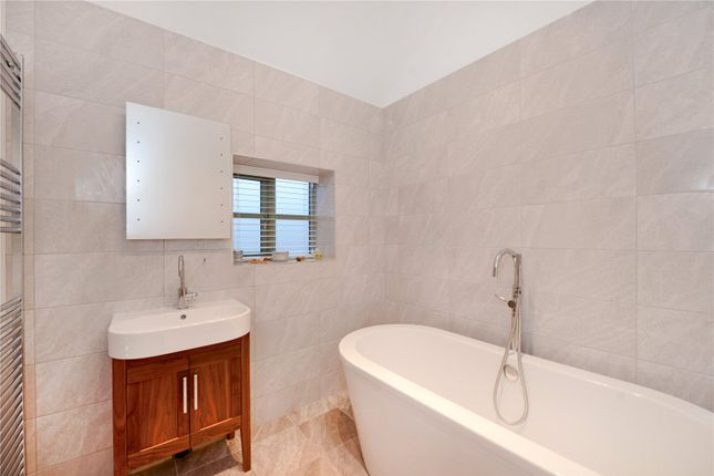 Bathroom of Cranshaw Lane, Widnes WA8