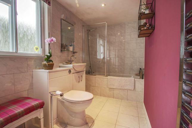 Bathroom 1 of South Street, Barnstaple EX32