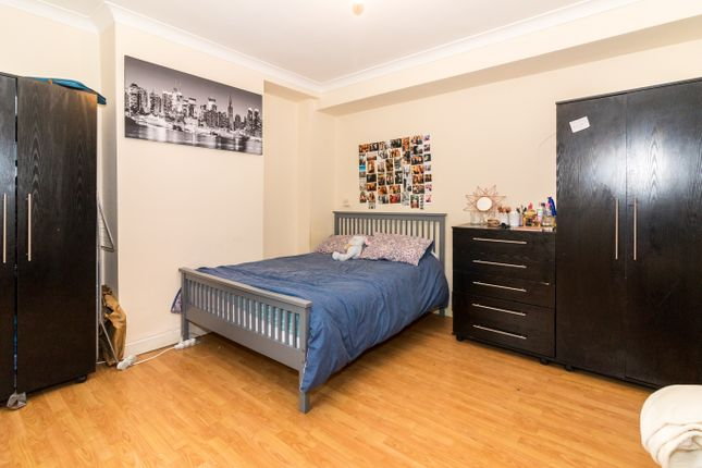 Thumbnail Shared accommodation to rent in Colbert Avenue, Whitechapel/Stepney