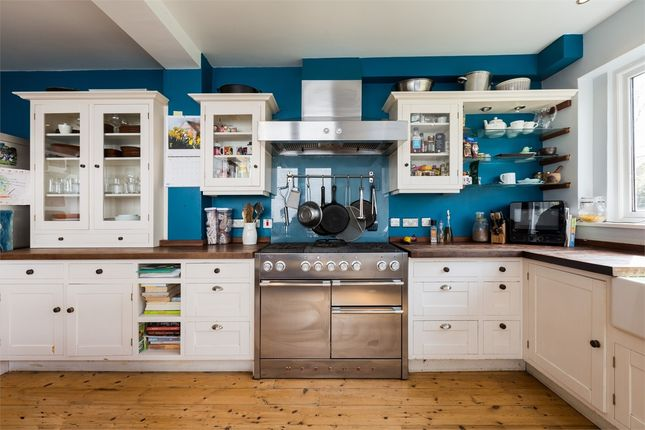 Thumbnail Terraced house for sale in Ferme Park Road, Crouch End, London
