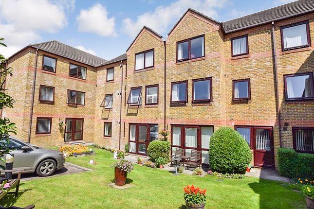 1 bed flat for sale in Hillbrook Court, Sherborne DT9