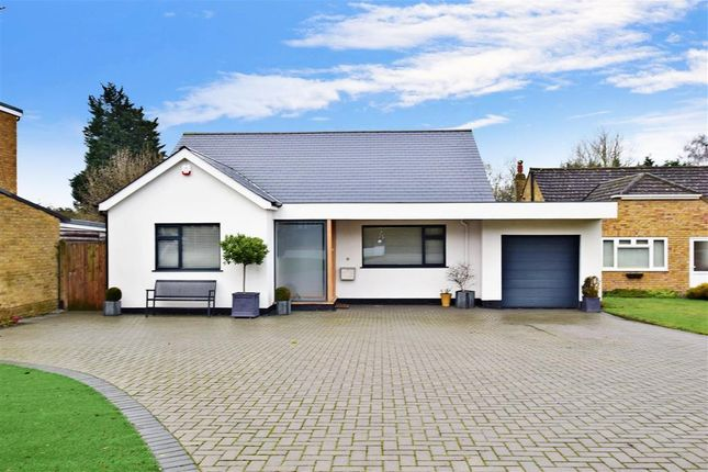 Thumbnail Bungalow for sale in Manor Rise, Bearsted, Maidstone, Kent