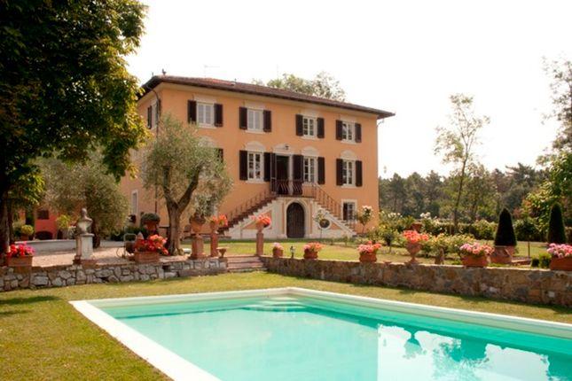 Villa for sale in Villa Il Giardino, Tuscany, Italy