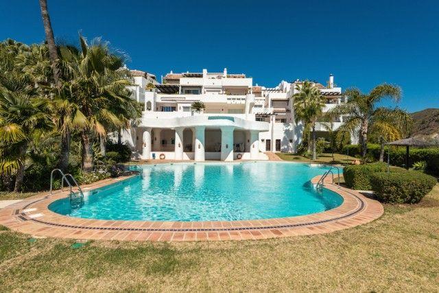 Pool And Gardens of Spain, Málaga, Benahavís, La Quinta Golf