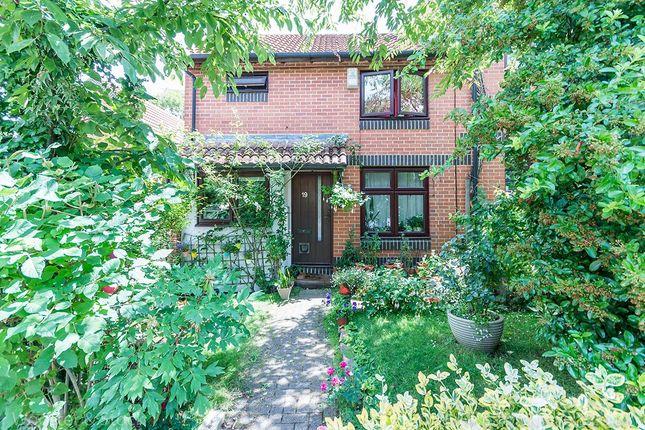 Thumbnail Semi-detached house for sale in Grovelands Close, London