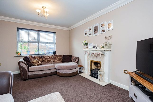Living Room of Tunworth Close, Fleet GU51