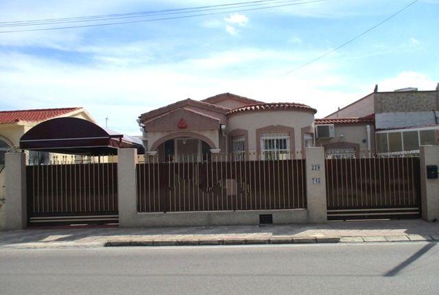 Thumbnail Semi-detached bungalow for sale in Urbanización La Marina, San Fulgencio, La Marina, Costa Blanca South, Costa Blanca, Valencia, Spain