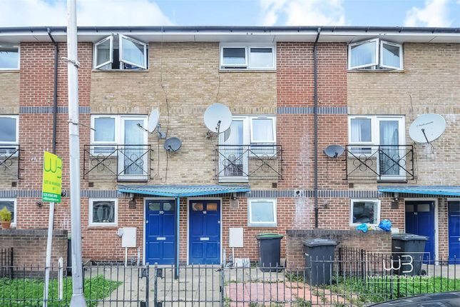 Thumbnail Terraced house to rent in Park Road, London