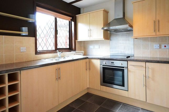 Thumbnail Terraced house to rent in Abbey Close, Wokingham