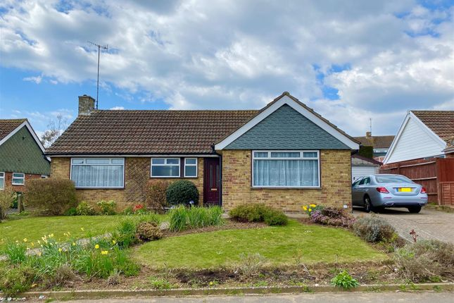 3 bed bungalow to rent in Lexden Road, Seaford BN25