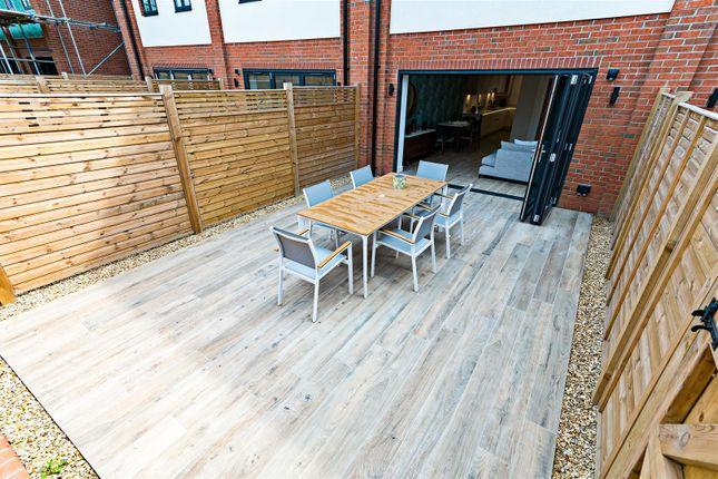 Courtyard Garden of 6, Albury Place, Shrewsbury SY1