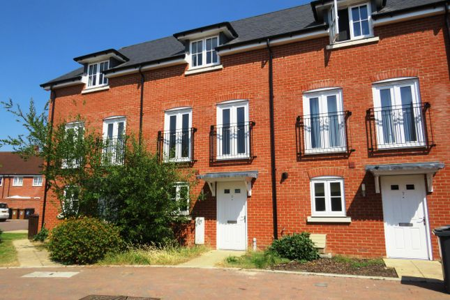 Thumbnail Town house to rent in Ambrose Way, Romsey