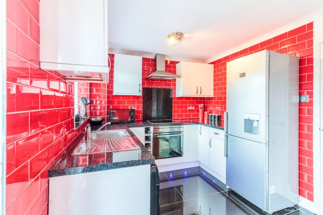 2 bed town house for sale in Harewood Grove, Bramley, Rotherham