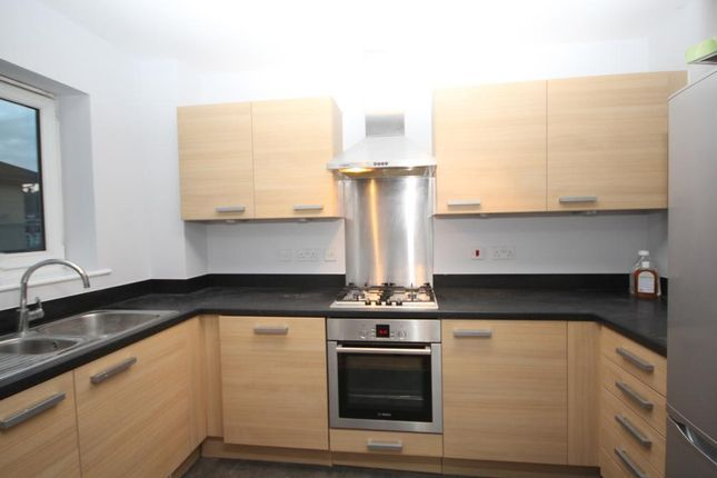 2 bed flat for sale in Fortune Avenue, Edgware, Middlesex HA8