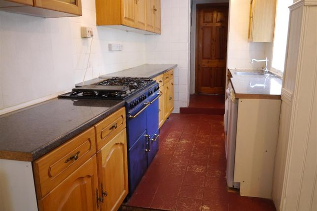 Thumbnail Semi-detached house to rent in Eleanor Road, Waltham Cross