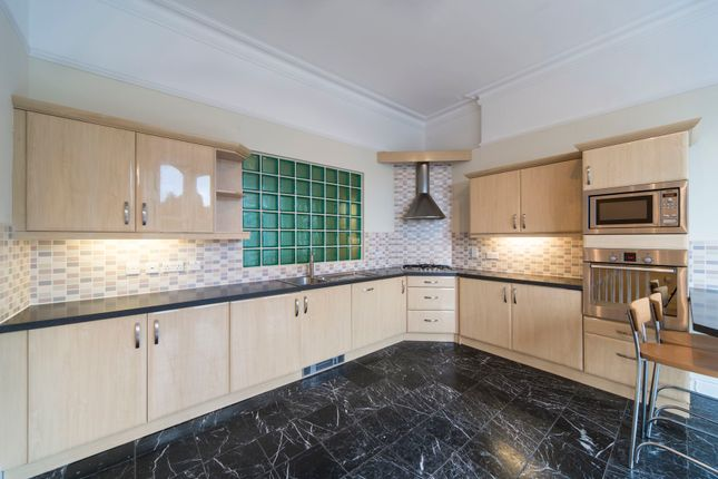 Thumbnail Flat to rent in 30A Leeds Road, Harrogate